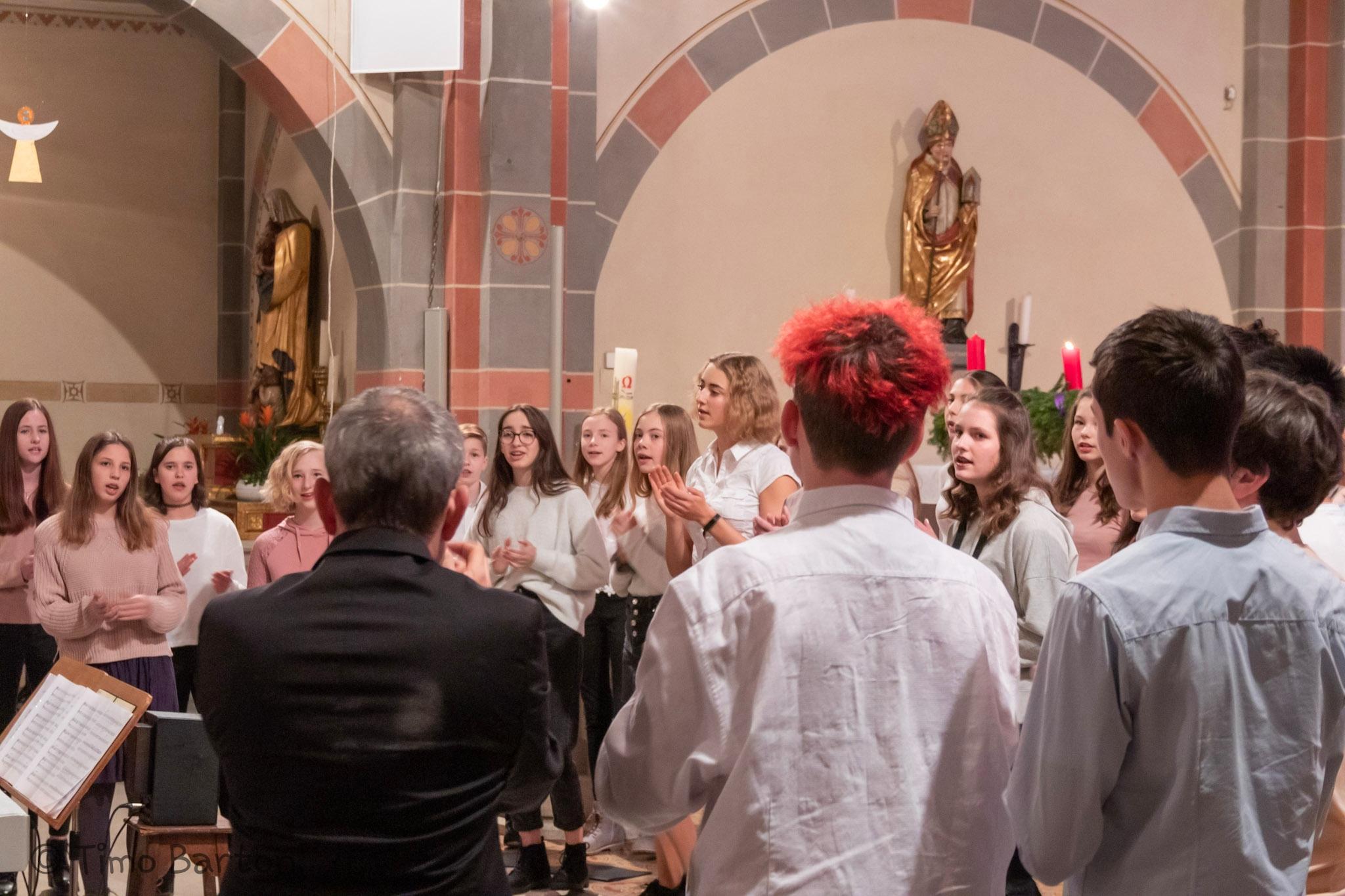 Der Chor des IKGs beim Weihnachtskonzert 2019