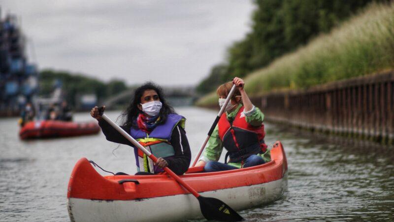 Schwimmender Protest gegen Inbetriebnahme von Datteln 4