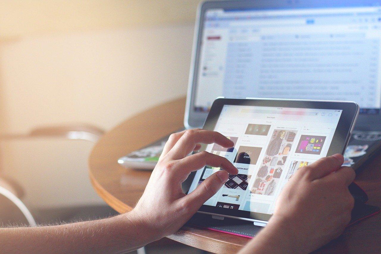 Baden-Württemberg kauft Laptops und Tablets für 300.000 Schüler